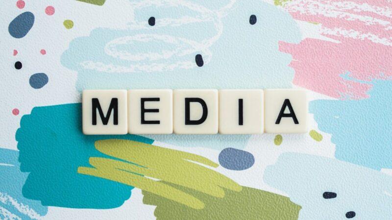 Come si muovono le notizie nei media tradizionali e in quelli moderni