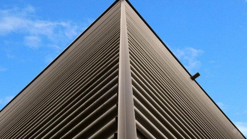 Lamiere forate: ecco perché sono tanto utilizzate per design ed in architettura